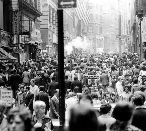 photographs-new-york-crowded-street-48-53-12