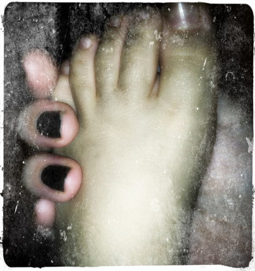 Dirty Toes